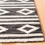 Essence Blue Wool Rug 5' x 8' - 3