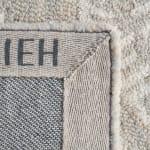 Safavieh Silver Wool Rug 4' x 6' - 4