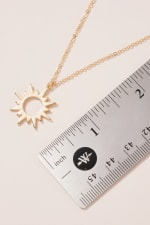Sun Pendant Short Necklace - 3
