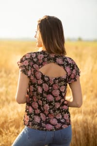 Roz & Ali Floral Flutter Sleeve Blouse - Back