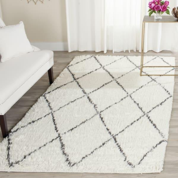 Safavieh Ivory Wool Rug