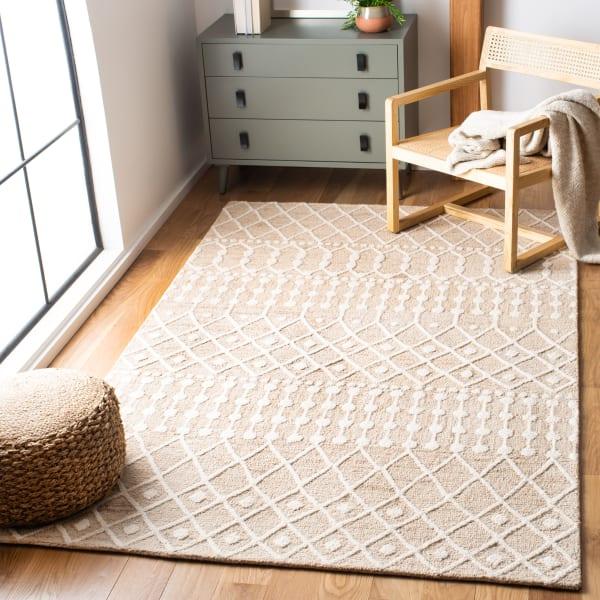 Safavieh Tan Wool Rug 4' x 6'