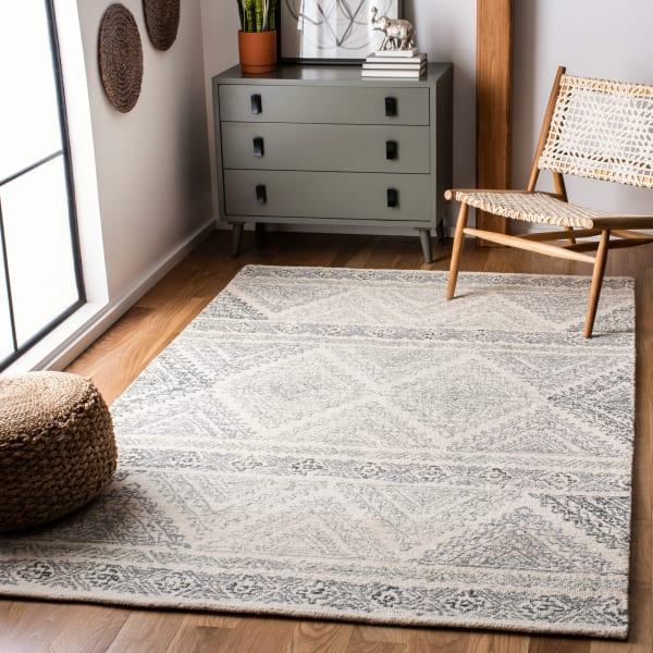 Safavieh Essence Ivory Wool Rug 3' x 5'