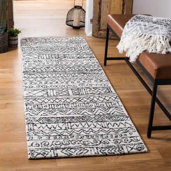 Safavieh Essence Ivory Wool Rug 2.5' x 9'