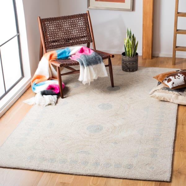 Safavieh Essence Silver Wool Rug
