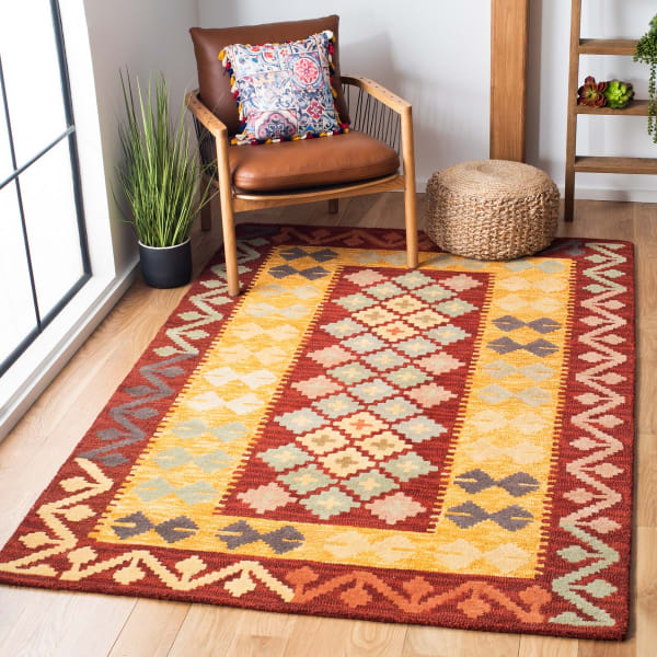 Safavieh Vail Red & Gold Wool Rug