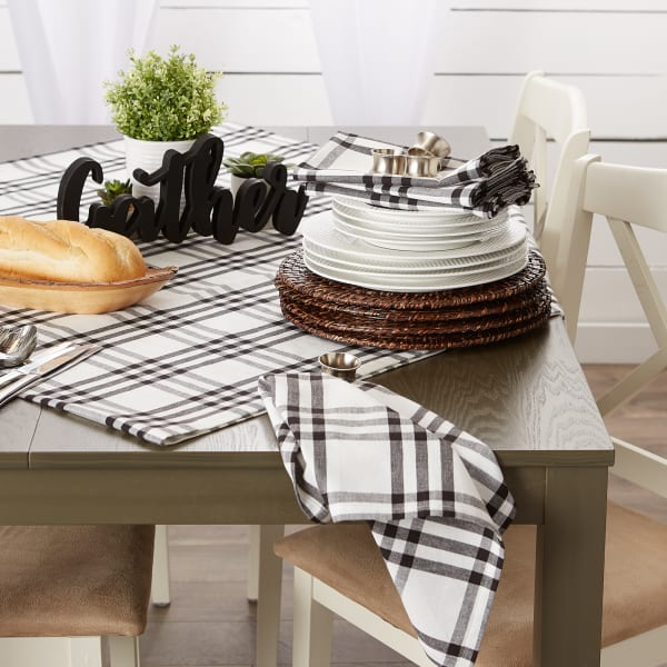 "Homestead Plaid Tablecloth, 70"" Round"
