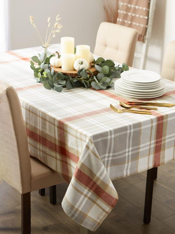 "Thanksgiving Cozy Picnic, Plaid Tablecloth 70"" Round"