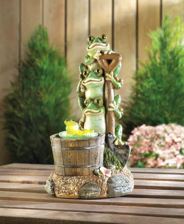 Solar Rotating Frog Garden Decor