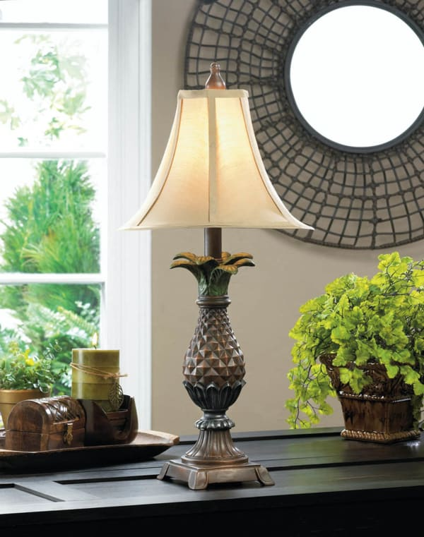 Tuscan Style Pineapple Table Lamp