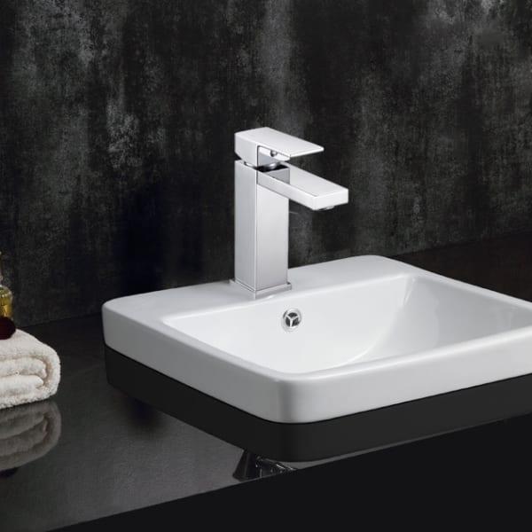 Safavieh Unity Chrome Brass Single Handle 6 Inch Bathroom Vessel Faucet
