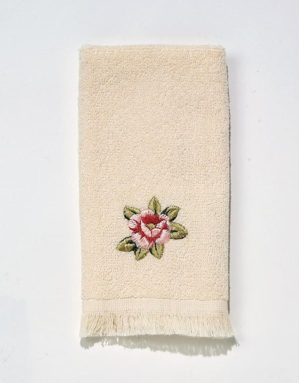 Rosefan Fingertip Towel