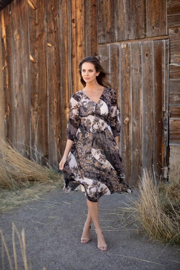 Lei Floral Midi Dress