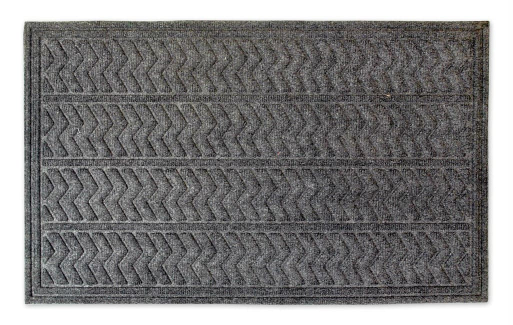 Dark Gray Chevron Hog Mat 2'5