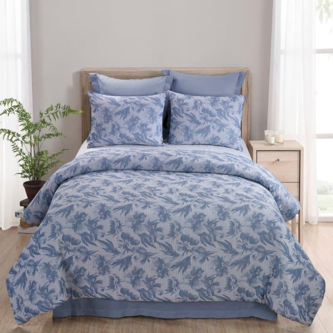 Queen Comforter Set, Almaria (Soft Blue)