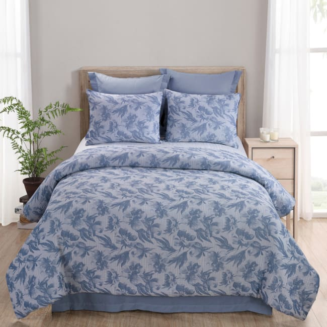 King Comforter Set, Almaria (Soft Blue)