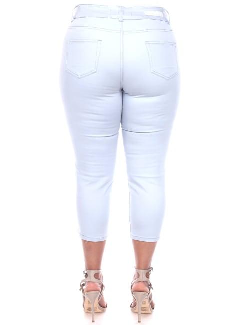 Slimming Capri Jeans