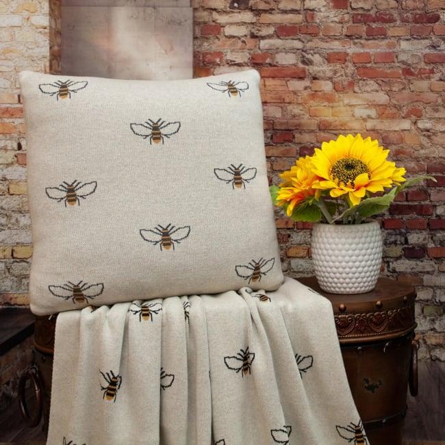 Linen Bumblee Throw Pillow