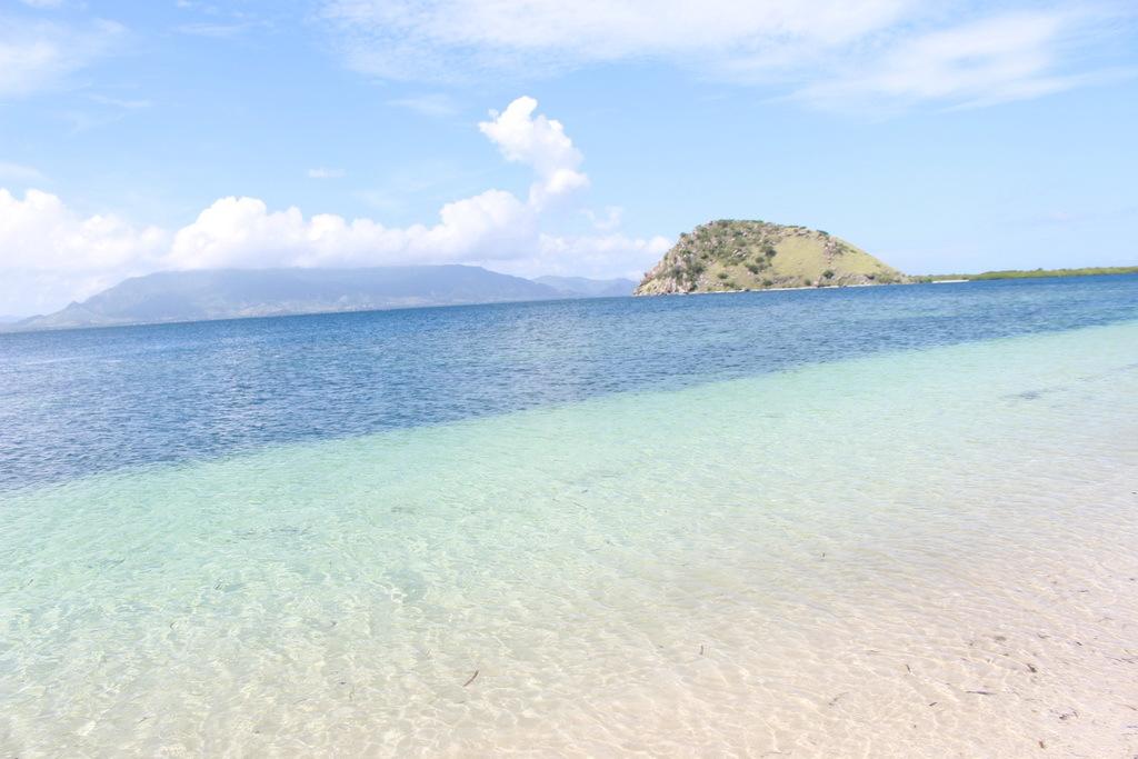Pantai Pulau Paserang