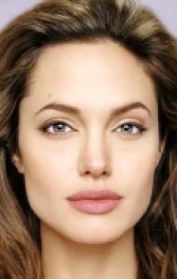 В главной роли Актриса, Режиссер, Сценарист, Продюсер Анджелина Джоли, фильмографию смотреть .