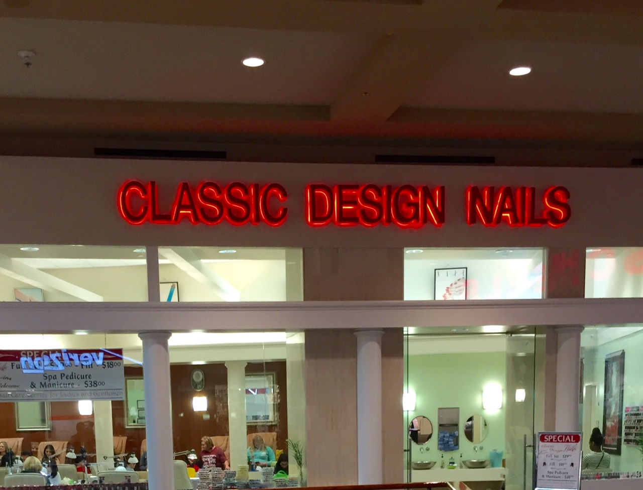 Classic design nails jordan creek mall