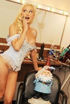 Free porn pics of holly madison 16 of 81 pics