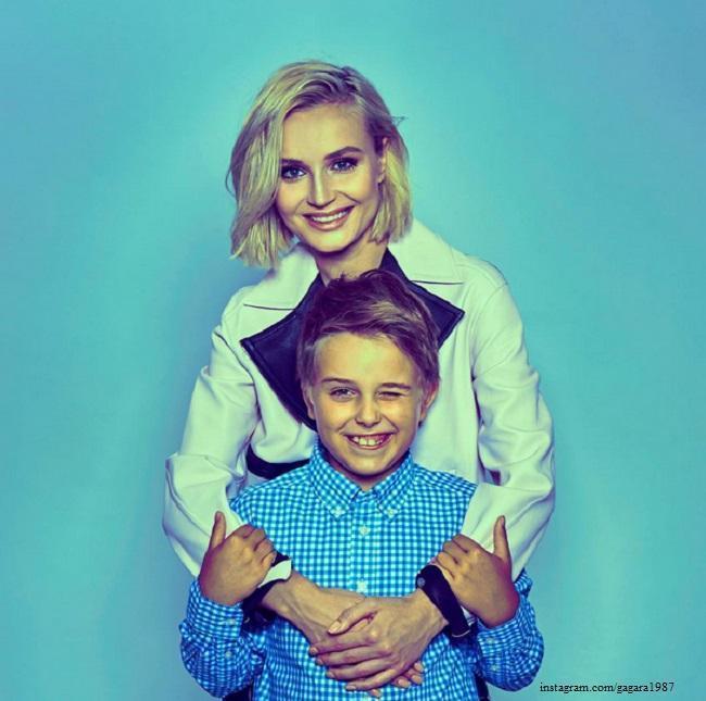 Полина гагарина с сыном и