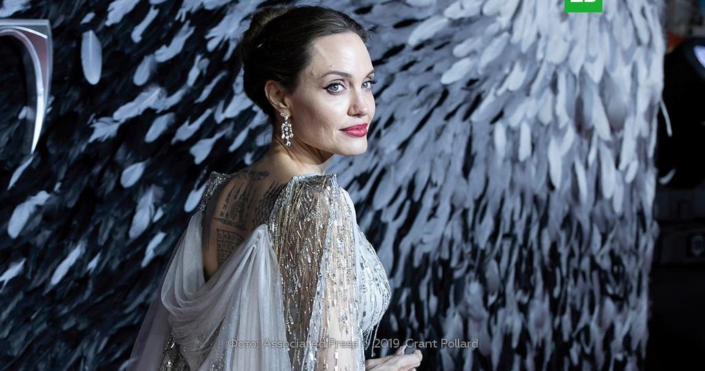 Джоли фото 2017 год