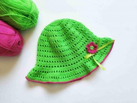 Вяжем детские шапки крючком