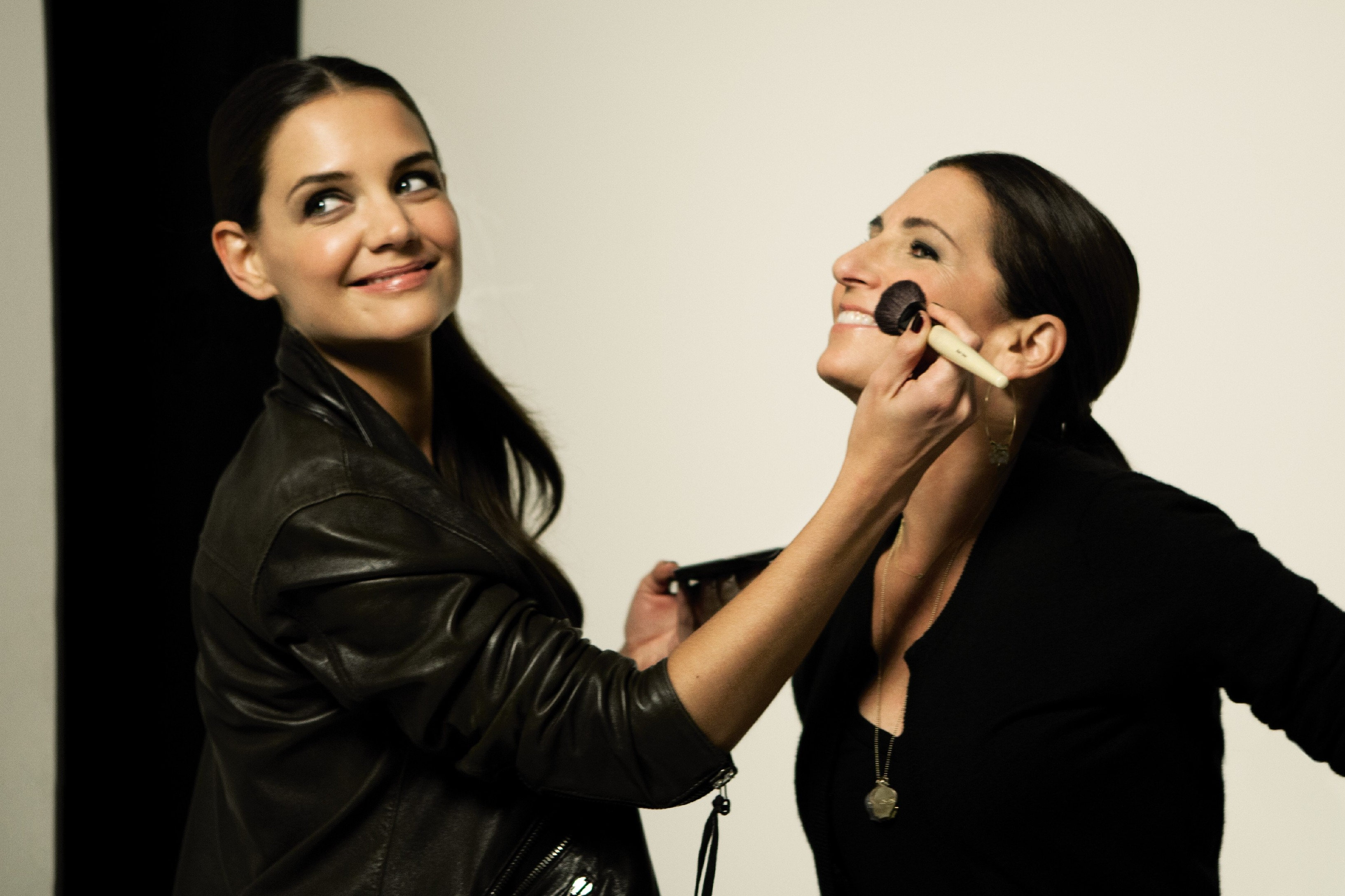 Katie holmes bobbi brown cosmetics