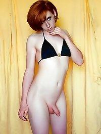 Порно фото яркой брюнетки с хуем