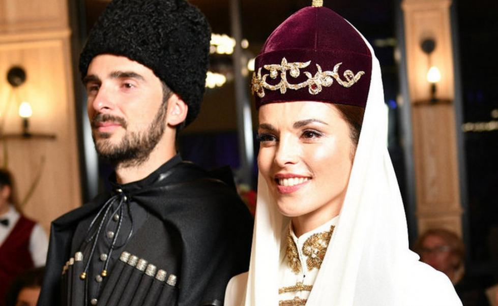 Сати казанова и ее будущий муж