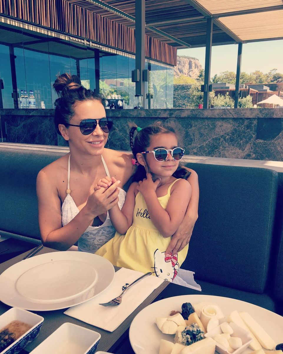 Крупным планом: муж Ани Лорак показал подросшую красавицу-дочь