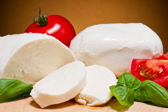 Чем можно заменить адыгейский сыр