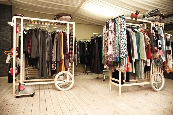 Как открыть шоурум одежды без вложений