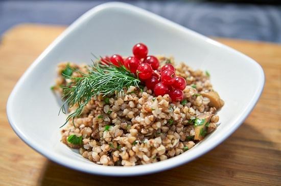 Как варят гречку в ресторанах и кафе: шаг 11 и блюда готово