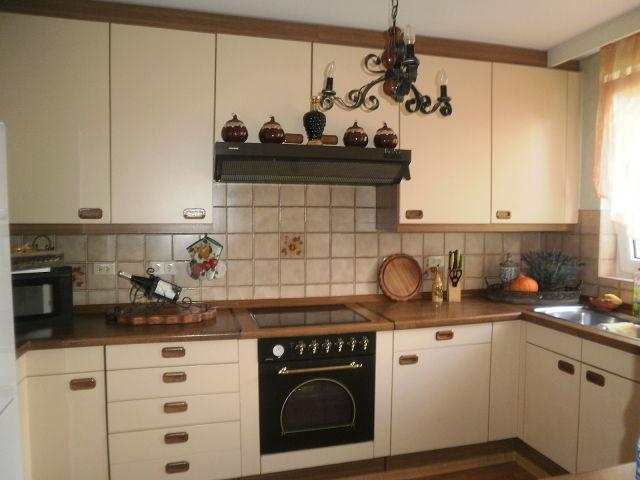 Кухни в слоновой кости