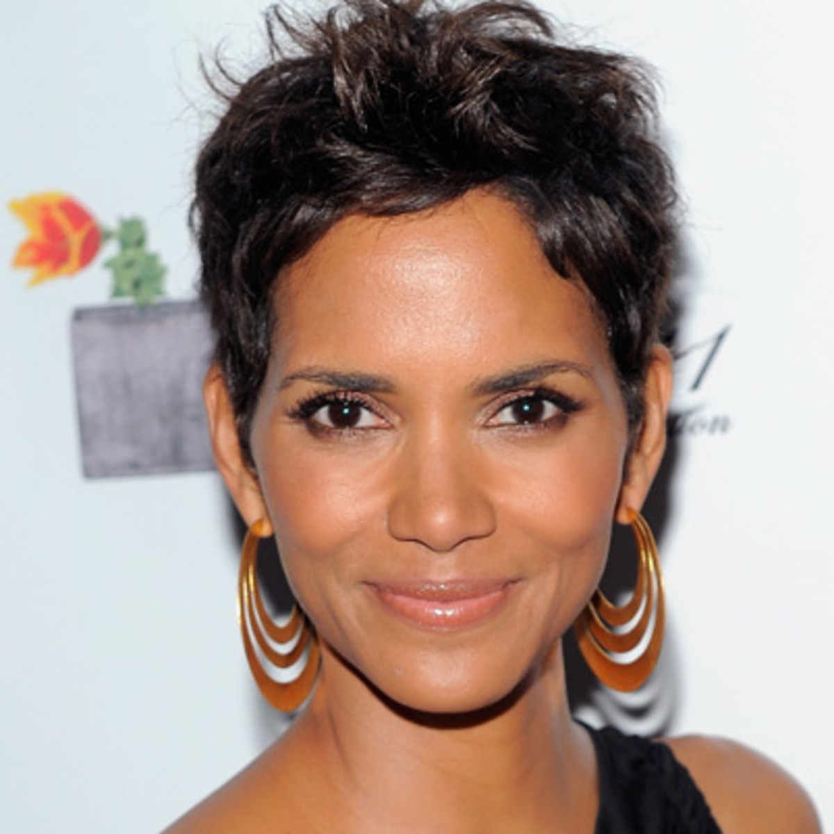 Halle berry and her sister