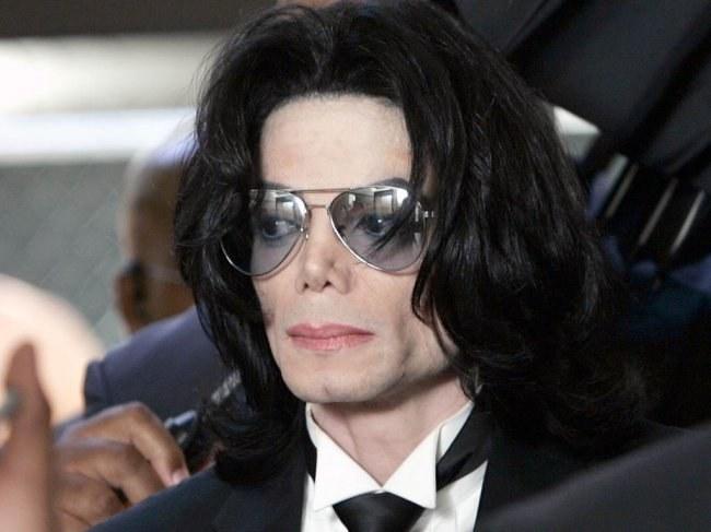 Какие операции делал Майкл Джексон
