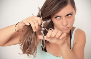 Стричь волосы во время беременности