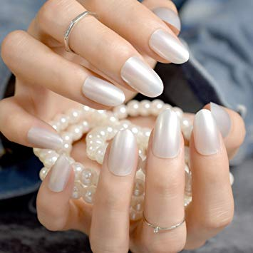 Pearl fake nails