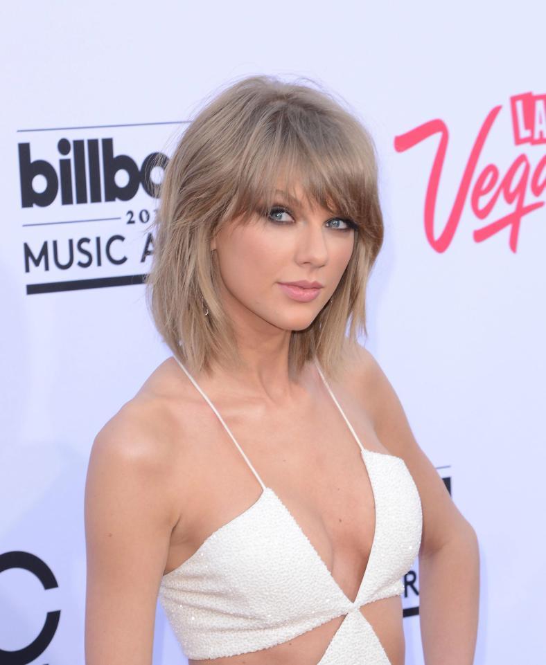 32b breast size celebrities