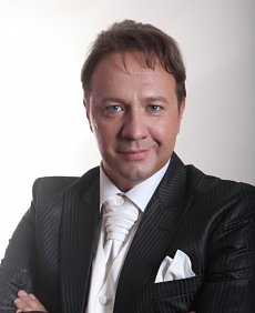 Александр захаров певец