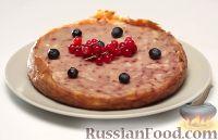 Фото к рецепту: Запеканка творожная с ягодами (в мультиварке)
