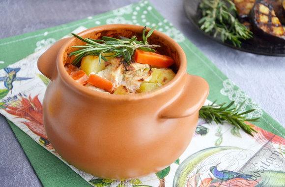 Индейка в горшочке с овощами