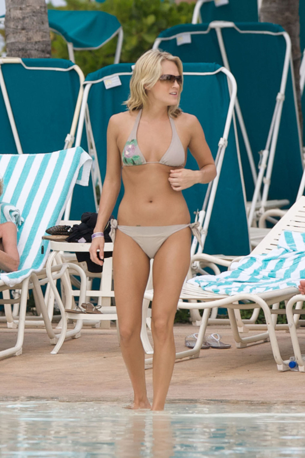 Carrie Underwood sexiest pictures from her hottest photo shoots. (25)