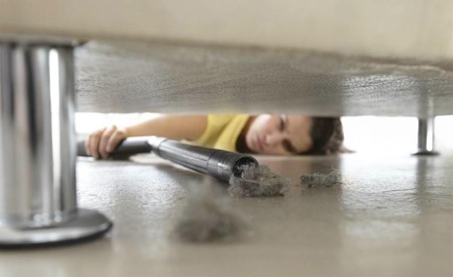 Пыль под мебелью