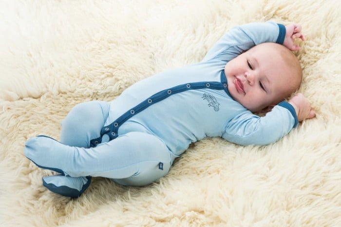 Как правильно одевать дома новорожденного