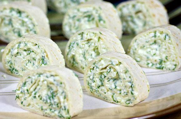 Лаваш с сыром и зеленью запеченный