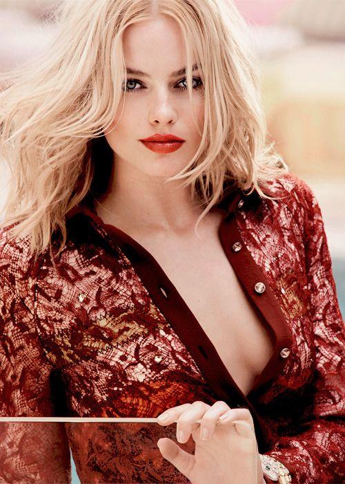 Hot sexy female celebrities
